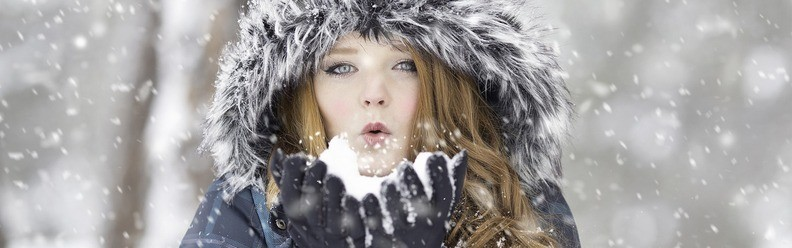 All you need to know about wearing contact lenses in winter